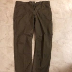 Men's size 36 dark green pants